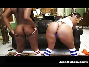 Double the hot huge asses p1