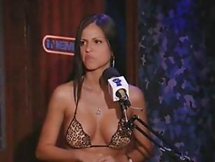 Janessa Brazil Rides The...