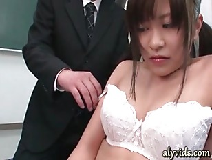 Picture Young Girl 18+ Asian Enjoys A Black Dildo
