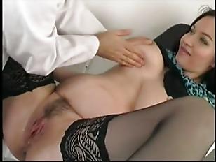 gynecologist-fucks-robin-givens-naked-ass