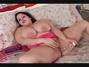 amazing Big Boobs dark haired Big amazing Woman has a very wet Pussy