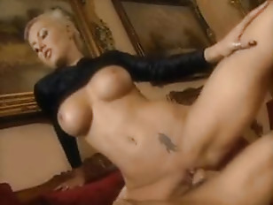 Hot shorthaired blonde