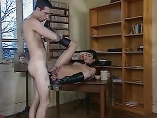 Picture Mature Lady Gets Fisted And Fucked