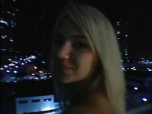 Picture Ball Busting Pornstar Cutie Ashlynn Brooke L...