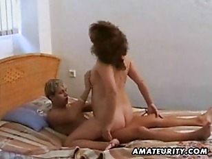 amateur matures fuck younger guys