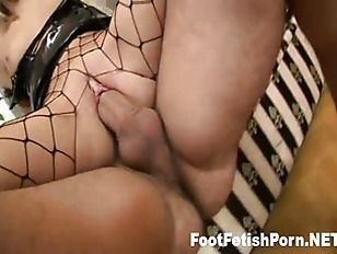 Picture Blonde Gets Her Sexy Feet Creamed