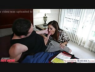 Picture Chesty Mom Francesca Le Fucking A Large Dick