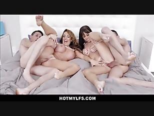 Stuck On You MILF Porn Parody Big Tits Big Ass