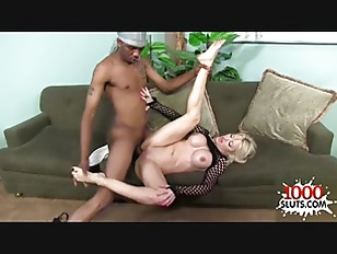 Sexy Wife Cuckold Play...