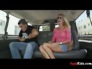Порно видео amateur blonde pussy squirts from a good avona dominica