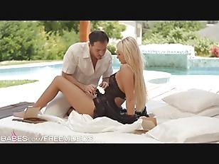 Babes - Ivana Sugar, Enjoying...
