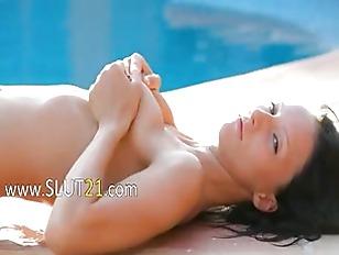 Paloma Glamour Pleasuring Herself...