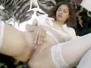 Picture Cream On Couch
