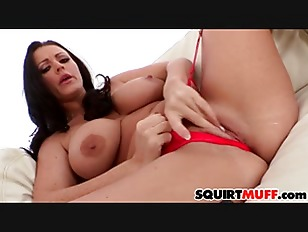 Sophie Dee Squirting Pussy...
