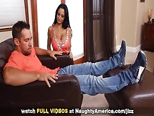 Brunette Ava Addams Gets Nailed On Naughty America