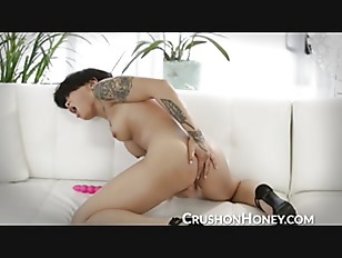 Honey Gold masturbating in...