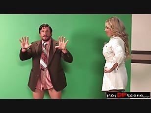 Picture Anchorwoman A XXX Parody Scene 4