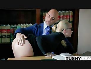 TUSHY Curvy AJ Applegate...