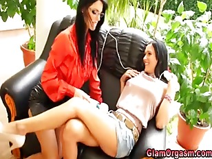 Picture Euro Fetish Lesbians Toy Pussy