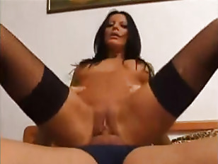 This hot amateur brunette MILF loves gettin nasty on camera
