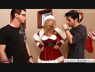 Picture Lovely Santa Babe Nicole Aniston Take Two Di...