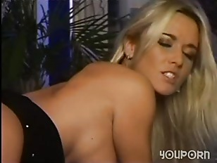 Picture Pussy Eating Hot Babes