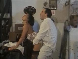 Roberto Malone as Al Capone