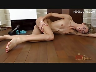 Picture Skinny Blonde Solo Play