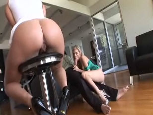 Bella Ray und Nicole Ray pornoxo Dreier Handy Porno