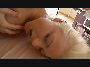 blonde hot babe fuck by massager