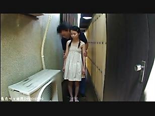 健康的なピチピチ女子高生が薄毛まんこをに指をピストンさせてオナニーの学生系動画
