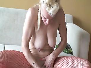 Picture Russian Mature Eleena Mastrubates