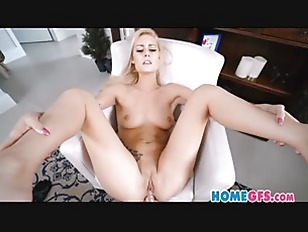 Blonde Videochats Anal To...