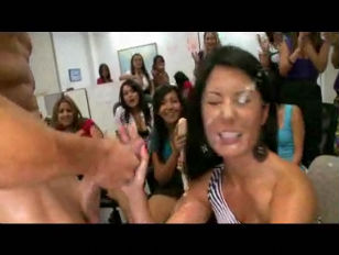 Picture Stupid Girls Sucking Cocks At Hen Party Part...