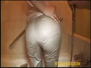 Picture Wet Pants Suits Beauty Girl Upskirt Hole Pus...