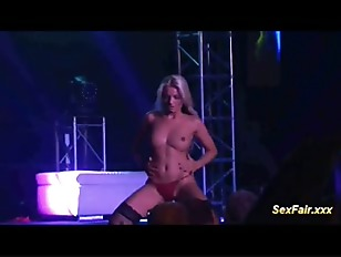 Blonde Loves Doing Live...
