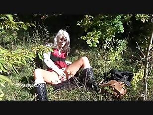 Blonde Amateur Babe Lissas...