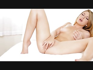 Blondie Pussy Trying New...