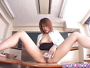 Aya Sakurai Puts Cream...