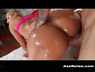 Picture Candice Dare Lets Chris Strokes In Her Backd...