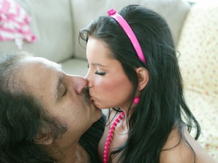 Picture Ron Jeremy Jizzes On Young Girl 18+