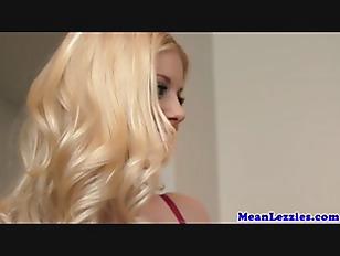 Picture Gorgeous Lesbian Babes Scissoring Closeup