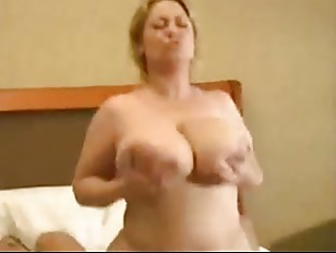 Picture Samantha Is MILF With Massive Tits
