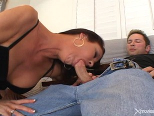 Big Mature Tits On MILF Vanessa Videl