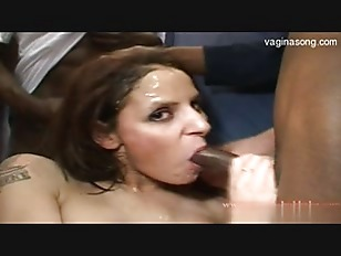 Picture Hot Slut Gets Amateur Bukkake