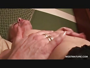 Picture Stockinged Mature Fingering And Toying Cunt