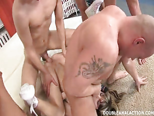 Picture Young Girl 18+ Blonde Gangbang