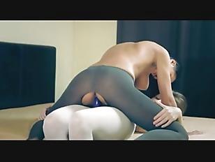 Amazing Hot Girlsongirls In...