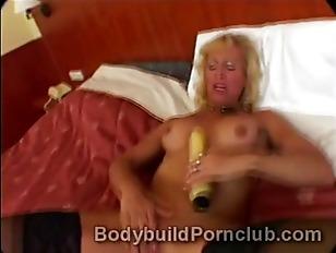 Picture Horny Mature Blonde Bodybuilder Slut Victori...