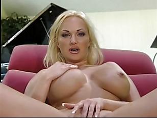 Big booty girl pussy shot